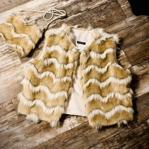Jackets & Blazers - K.A.T.E. Faux Fur Vest Ladies Large